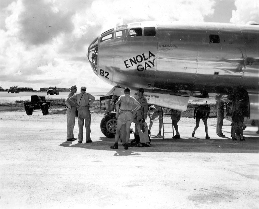 Return of the Enola Gay Paul Tibbets Signed by Crew First Edition 1 of 1500 NF