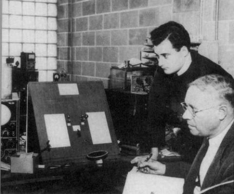 Seymour Benzer and Karl Lark-Horowitz in the Purdue physics laboratory. Courtesy of Seymour Benzer.