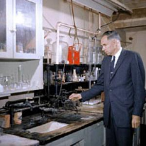 Glenn Seaborg in Room 307, Gilman Hall, at Berkeley in 1961