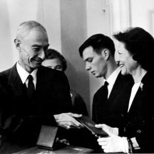 J. Robert Oppenheimer, his son Peter, and his wife Kitty at the Fermi Award ceremony