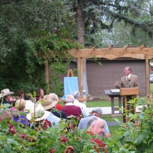Senator Pete Domenici speaking at an AHF/LAHS event at Los Alamos in 2004