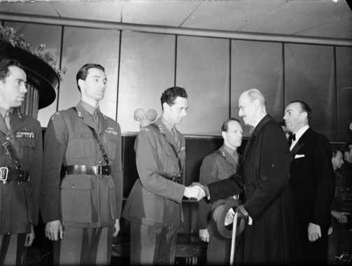 From the left: Knut Haukelid, Joachim Rønneberg, Jens Anton Poulsson shaking hands with HM King Haakon VII of Norway (1948). Photo Credit: Leif Ørnelund [CC BY-SA 4.0 (http://creativecommons.org/licenses/by-sa/4.0)], via Wikimedia Commons.