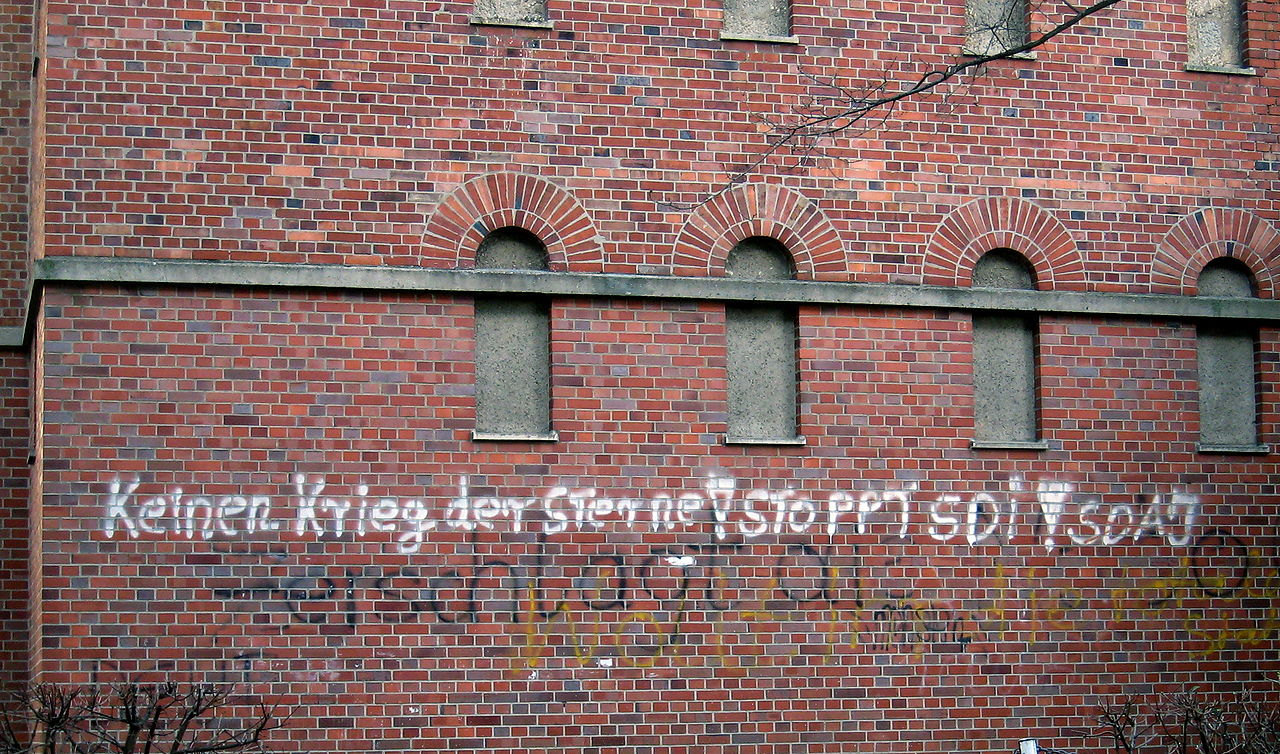 "Graffiti in West Germany, ""No star wars! Stop SDI!"" 1986"
