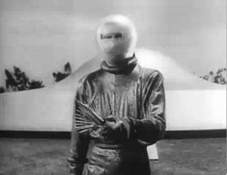 Klaatu arrives on Earth