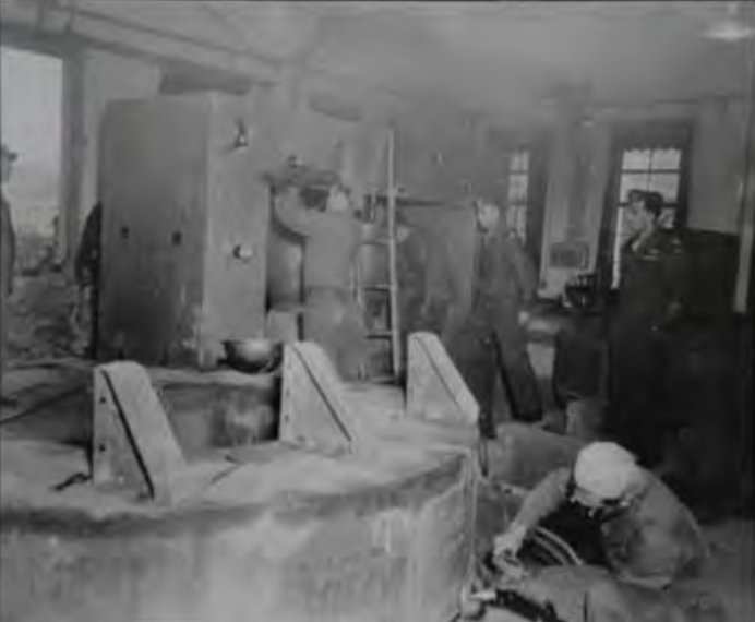 Allied soldiers dismantle Arakatsu's Kyoto lab in in 1945