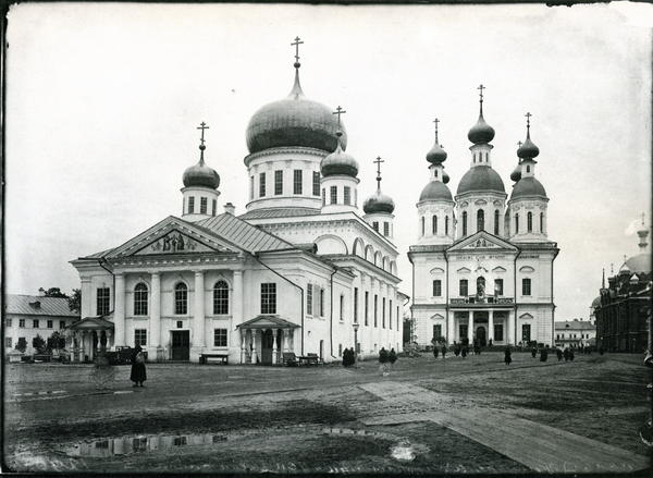 The Sarov monastery in 1904