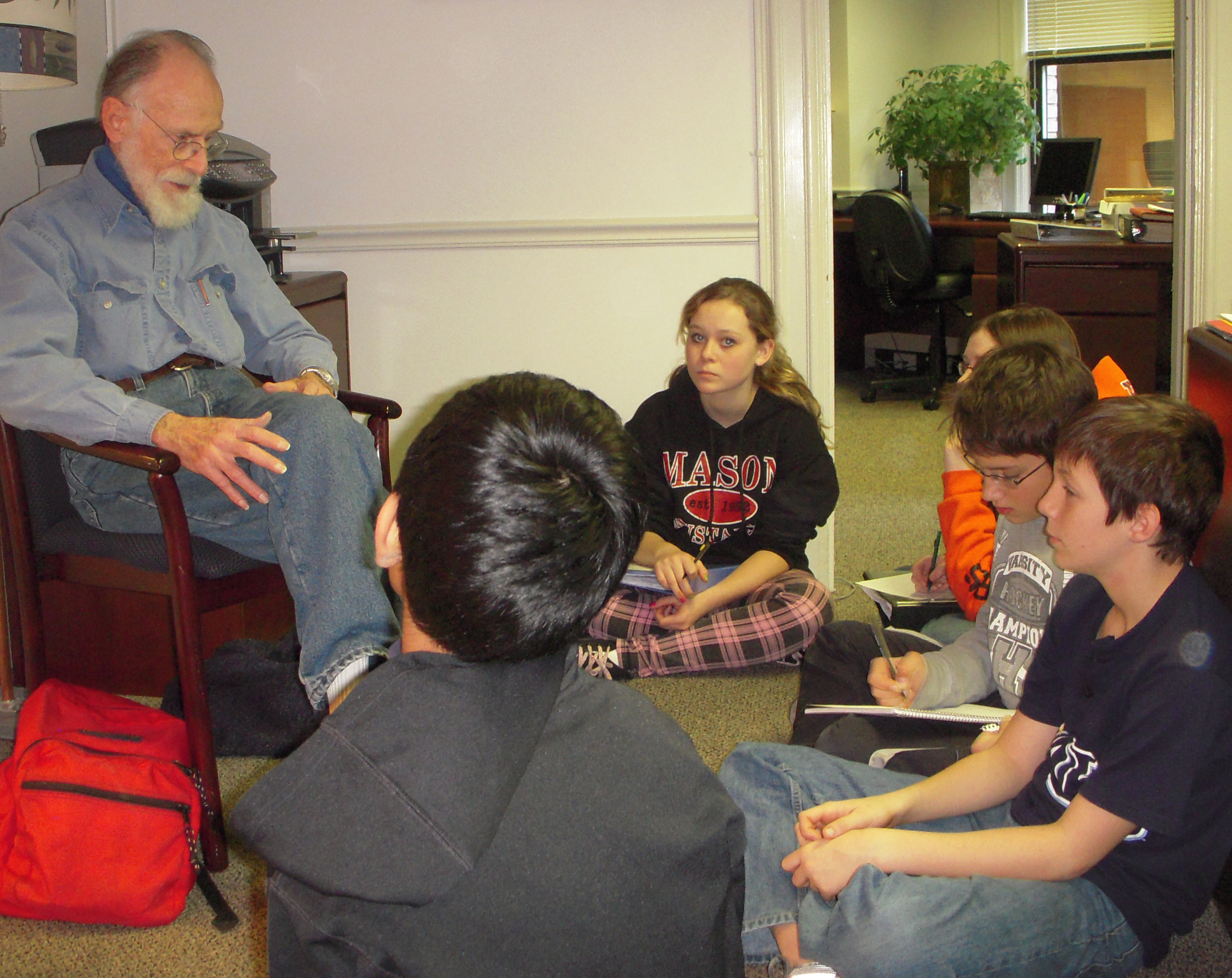 Manhattan Project veteran Norman Brown speaking with students