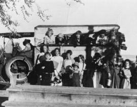 A Hanford family. Photo courtesy of Our Hanford History.