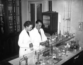 Frédéric and Irène Joliot-Curie in their laboratory.