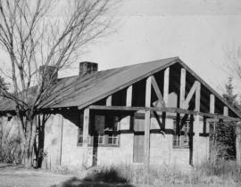 Master Cottage #1, 1942. Photo courtesy of the Los Alamos Historical Society.