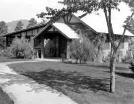 The Oppenheimer House at Los Alamos. Photo courtesy of the Los Alamos History Museum Archives.
