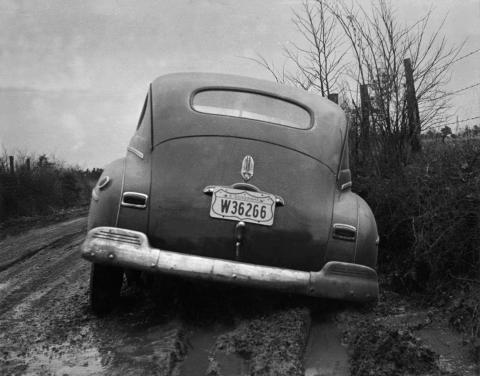 Early Road Conditions in Oak Ridge (1942)