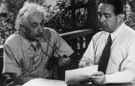 Albert Einstein and Leo Szilard working on the famous letter