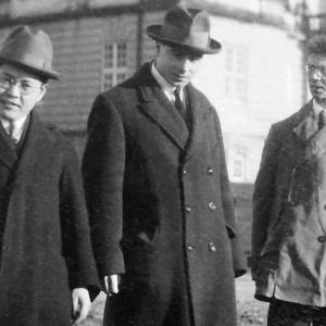 Nishina with L. H. Thomas and Friedrich Hund in Copenhagen, 1926