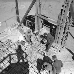 First layer of high explosives on the TNT test tower