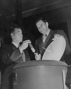 Stanley Thompson (left) and Glenn Seaborg