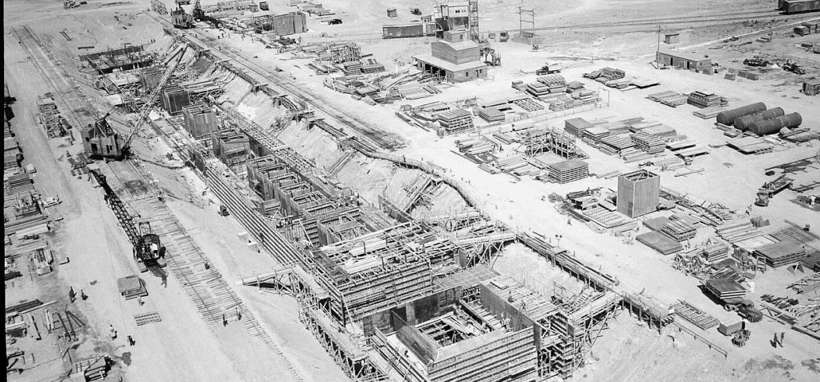 Construction of the T Plant at Hanford